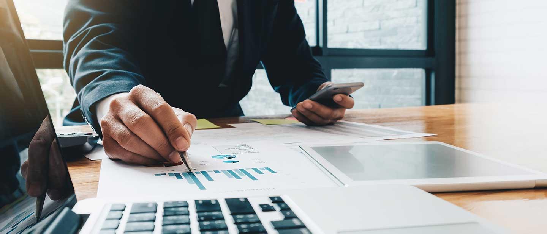Fehlervermeidung im B2B Online-Marketing: Check von Datenblättern